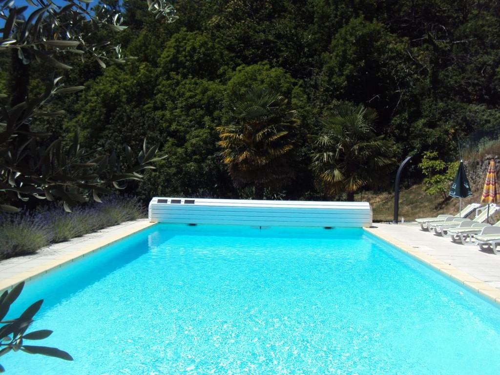 piscine-panoramique-gites-chassiers-ardeche