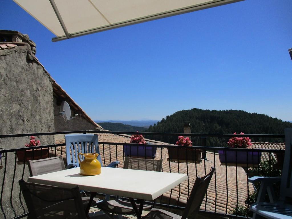 Vue panoramique de la terrasse de La Magnanerie