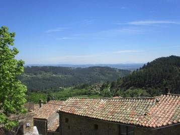Vue panoramique de la deuxième terrasse de la Clède